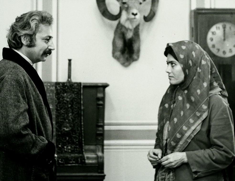 هنرنمایی جمشید مشایخی و فخری خوروش در فیلم شازده احتجاب