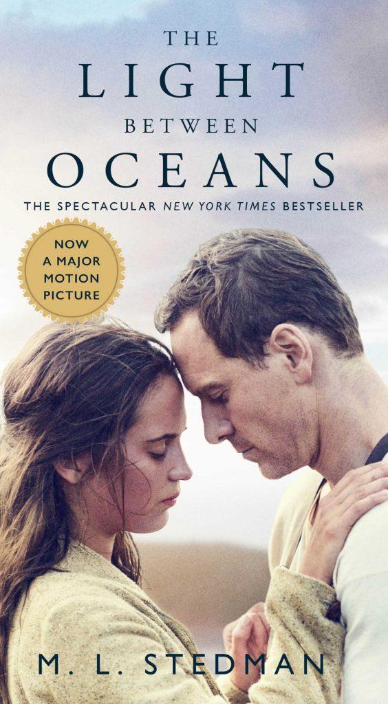 پوستر فیلم The Light Between Oceans یا نوری میان اقیانوس ها به کارگردانی دِرِک سیانفرانس Derek Cianfrance