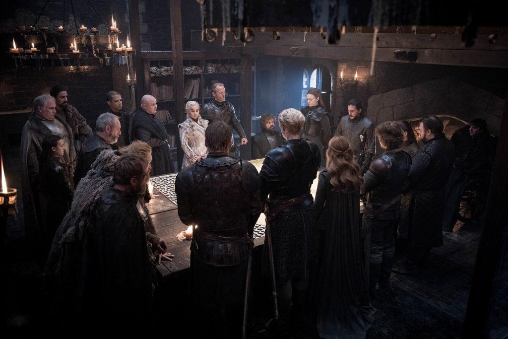 میزگرد طراحی نبرد که تمامی شوالیه ها و هم پیمان ها گرد آن جمع شده اند! - قسمت دوم از فصل هشت Game of Thrones