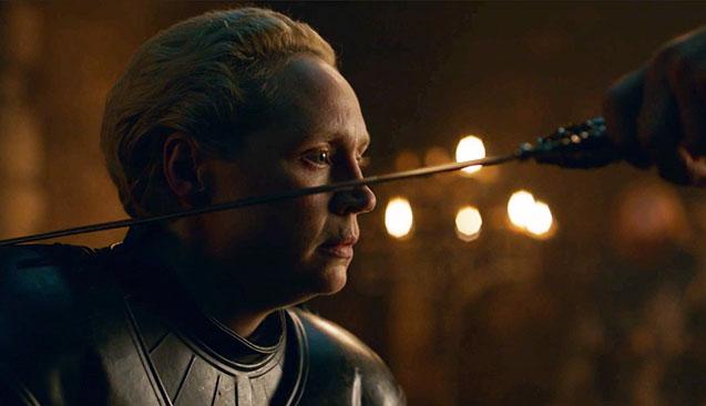 مراسم شوالیه برای Brienne of Tarth با بازی Gwendoline Christie در قسمت دوم از فصل هشت Game of Thrones