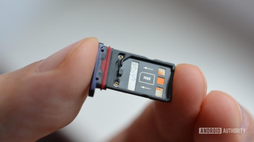 طراحی ظریف کارت حافظه نانو
