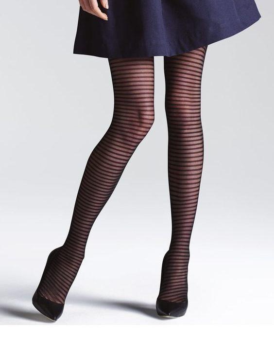 جوراب زنانه از نوع جوراب شلواری یا tights