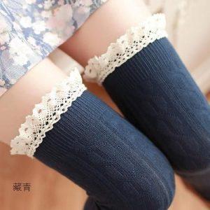 جوراب زنانه بالای زانو thigh high socks یا over the knee socks