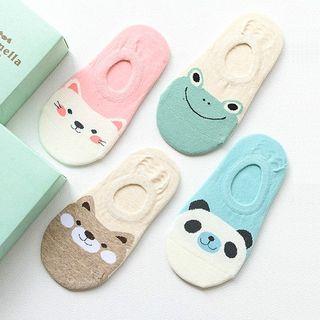 جورابهای مچی از انواع جورابهای بچگانه که با انواع لباسهای کژوآل میتوانند استایل خوبی را بسازند.