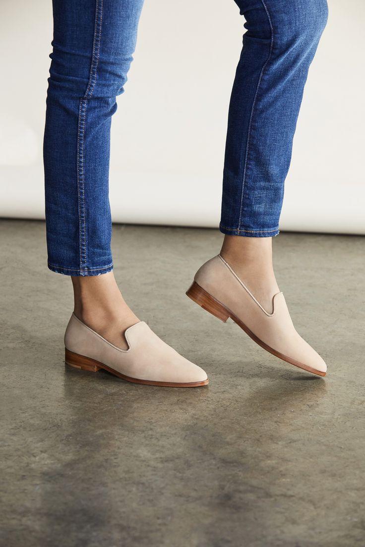 از ویژگی جوراب های کفپوش این است که بدون اینکه کسی متوجه شود شما جوراب دارید.