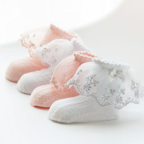 امروزه جورابهای بچگانهی بابی بیشتر برای نوزادان و دختران مورد استفاده قرار میگیرد.