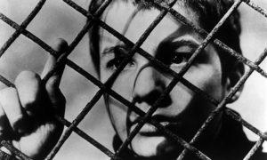 چهارصد ضربه فیلمی از فرانسوا تروفو