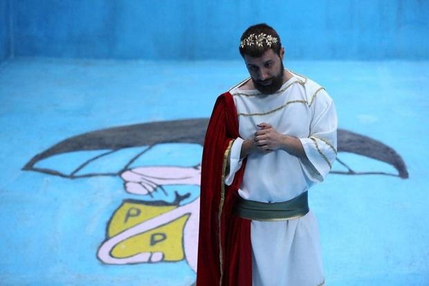 هنرنمایی جواد عزتی در نقش بهنود
