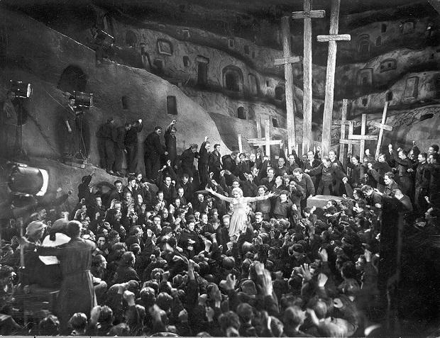 هنرنمایی Brigitte Helm در نمایی از Metropolis 1927