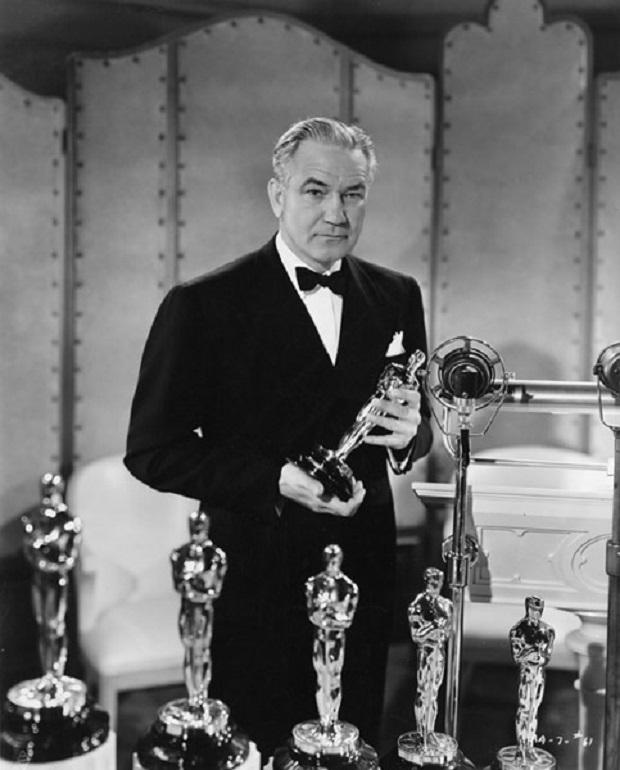 ویکتور فلمینگ گارگردانی است که توانست با ساخت دو اثر محبوب و ستودنی، خود به یکی از ماندگارترین کارگردانان جهان تبدیل کند. این کارگردان با ساختن فیلم بر باد رفته و جادوگر شهر اوز توانست این دو اثر خود را وارد لیست صد سال صد فیلم بنیاد فیلم آمریکا کند.