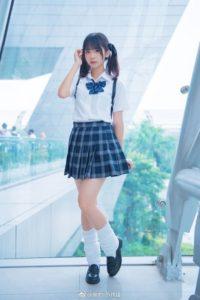 جورابهای گشاد اولین بار توسط دختران مدرسهای ژاپن پوشیده شدند