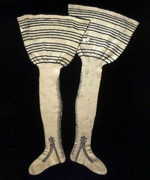 استفاده از ابریشم برای بافت جوراب در قرن ۱۵ میلادی
