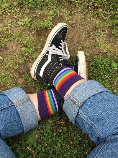 پوشیدن جورابهای خاص ظاهرتان را شخصی و خاص میکند.