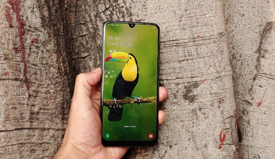 بررسی نمایشگر Samsung Galaxy A30 در مقایسه گلکسی A30 با شیائومی ردمی نوت ۷