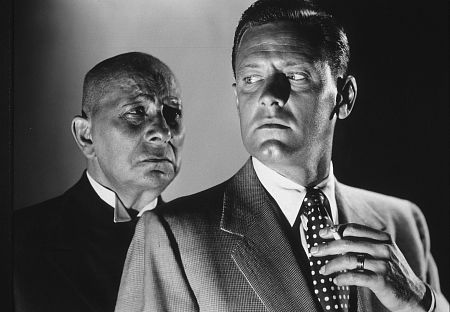 هرنمایی Eric Von Stroheim و William Holden در فیلم Sunset Boulevard