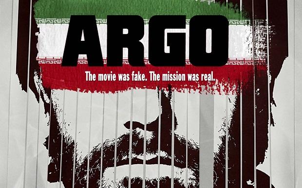 Ben Affleck کارگردان فیلم آرگو موضع گیری خود را از همان اول فیلم مشخص کرده است. در کنار دولت آمریکا و مردم کشورش ایستاده است.
