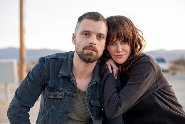 در فیلم Destroyer در صحنههای عشق مفرط میتوان صحنههای دو نفرهای را مثال زد که ارین و کریس با هم دارند و در آن لحظات مهمی از فیلم شکل میگیرد.