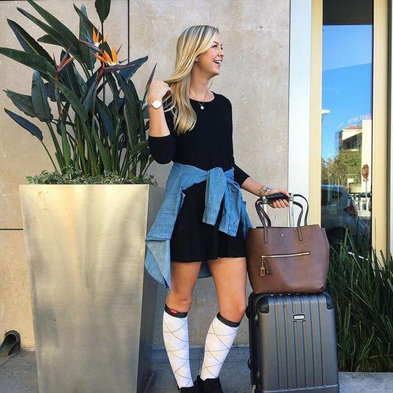 جوراب مخصوص هواپیما یاAir plane socks ، یا compression socks