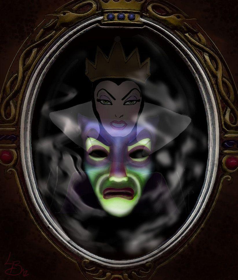 در انیمیشن سفید برفی و هفت کوتوله تنها ملکه، آینه و حیوانات همراه شخصیت منفی همچون کلاغ و لاشخور، با رنگهای تیره نمایان میشوند که حاکی از درون پلیدشان و جهل و تاریکی است.