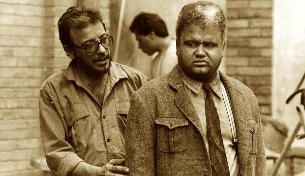 علی حاتمی در کنار اکبر عبدی / پشت صحنه فیلم مادر