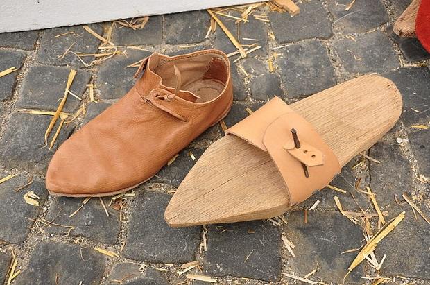 پتنها لایهای محافظ برای کفشها ایجاد میکنند.