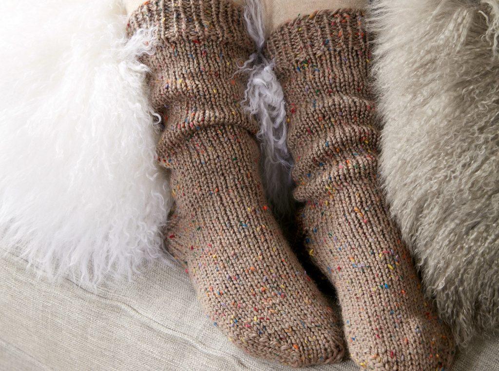 امروزه بعد از گذشت سال ها، دوباره جورابهای چین خورده در بین مردم رواج پیدا میکند.