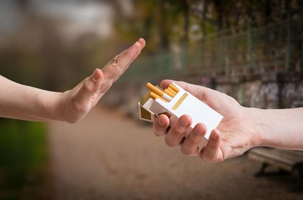 اگر میخواهید جوان بمانید هرگز سیگار نکشید