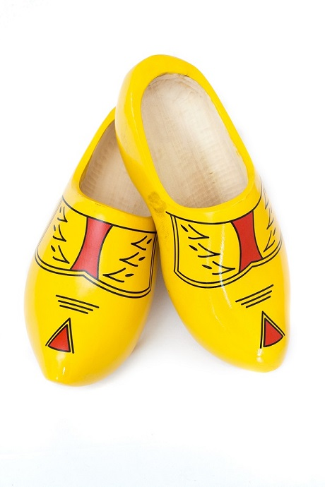 Klopm هلندی، کفشهای سنتی و تمام چوبی