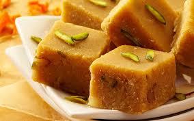سوهان حلوایی نوع دیگری از این شیرینی است. علاقه مندان و طرفداران خاص خود را دارد.
