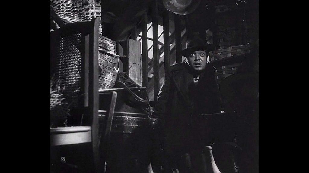 اما مطرح کردن چنین بیماری تنها کار مدرن و جدید Fritz Lang در سینما نبود. بلکه او چهرهی دیگری از نابینا به مثابهی یک معلول ارائه میدهد.