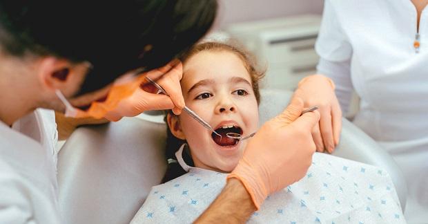 فلوراید در جلوگیری از پوسیدگی دندان و بروز دندان درد در کودکان موثر است