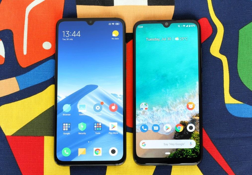 Xiaomi Mi 9 در کنار Mi A3: اگرچه هردو گوشی شباهتهایی باهم دارند، اما وقتی در جزئیات آنها دقیق شویم متوجه تفاوت طراحی یک پرچمدار با یک میان رده خواهیم شد