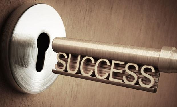 ویژگیهای افراد موفق زیاد متفاوت نیست فقط یک سری عادتهای رفتاری مثبت و صحیح دارند.