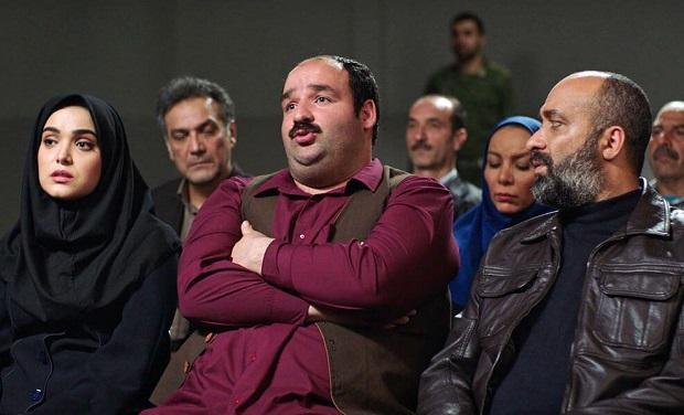 در دادگاه هم فقط کل کل میکنند و مانند کارمندان شعبهی تهران تنها زیر آب همدیگر را میزنند.