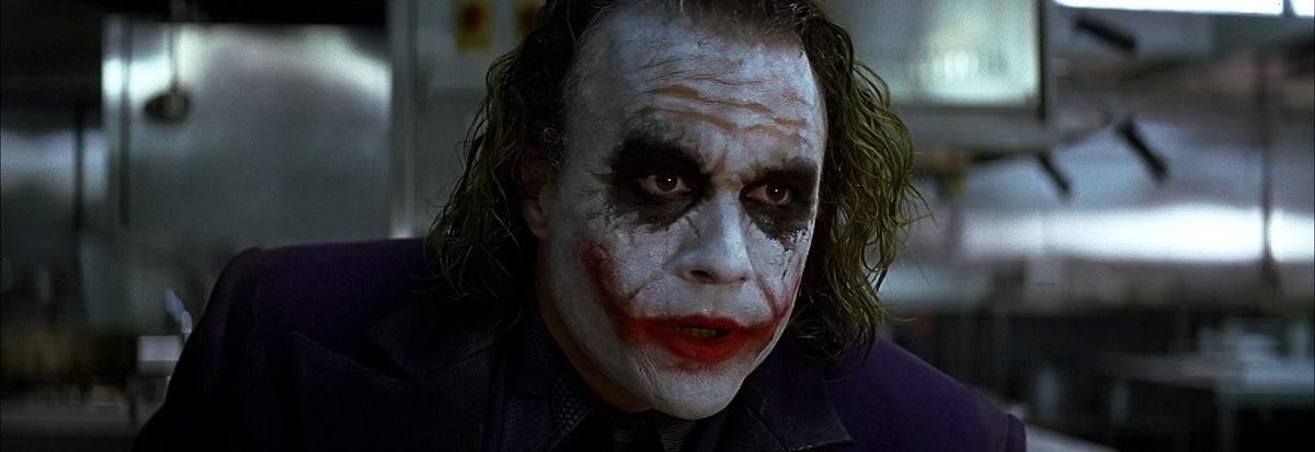 شاید متفاوت ترین و درخشان ترین کمیک جوکر را مربوط به نوشته فرانک میلر در سری کمیک های The Dark Knight Returns دانست که یکی از بهترین وجوه جوکر را می بینیم. سری کمیک هایی که یکی از منابع ساخت سه گانه بتمن کریستوفر نولان نیز محسوب می شود.