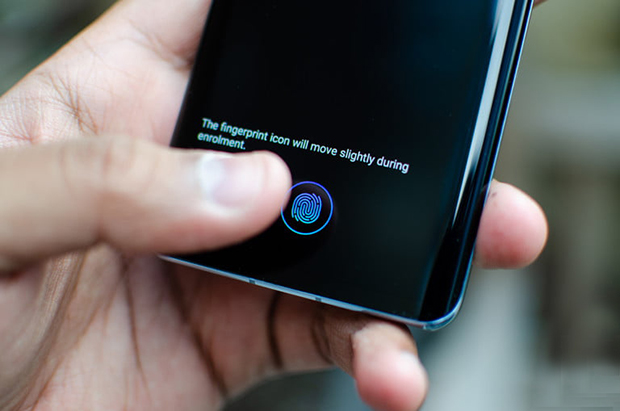 سنسور اثر انگشت اولتراسونیک در هر دو گوشی تعبیه شده است!