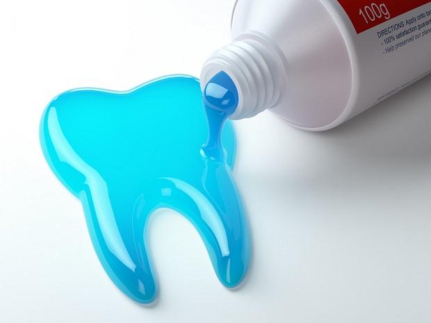 مادهای که منشا پلاستیکی دارد و در تولید اقلام بسته بندی از آن استفاده میشود. این ماده باعث تحریک پوست، گلو، بینی، سردرد و تاری دید میشود.