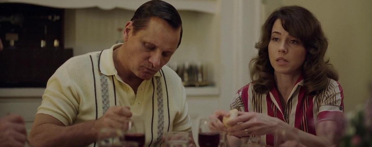 مکاشفۀ دو شخصیت متضاد و محوری فیلم در همسران یکدیگر برای نزدیک شدن به هم که یکی از مایههای قدرتمند و نوستالژیک سینما (رفاقت مردانه) را نشانه میرود