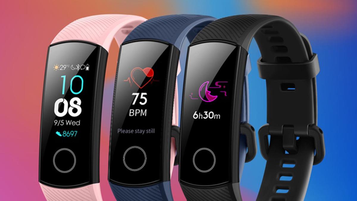 یکی دیگر از پیشرفتهایی که در Honor Band 5 مشاهده کردیم رابط کاربری (UI) آن است که در استفاده بسیار حساس تر از Honor Band 4 یا سایر دستبندهای سلامتی است