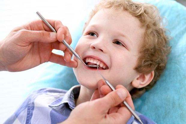 با انجام عصب کشی به موقع مانع از ایجاد مشکلات بیشتر در دندان کودکمان شویم.