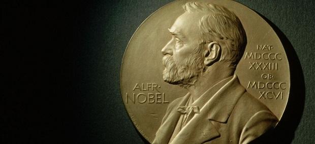 آکادمی در سال ۲۰۱۹ اعلام کرد که اولگا توکارچوک؛ نویسنده لهستانی برنده جایزه نوبل ۲۰۱۸ است و پیتر هاندکه این جایزه را برای سال ۲۰۱۹ میگیرد.