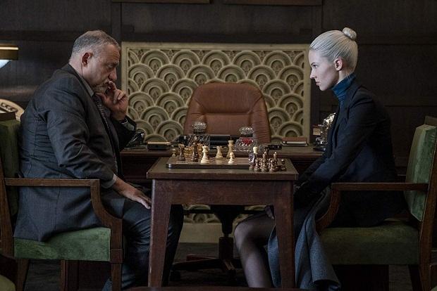 در فیلم Anna داستان یک خط را پیش میبرد، در نقطهی نهایی پرده فلشبک میزند و همان خط را از زاویهی دیگری به تصویر میکشد.