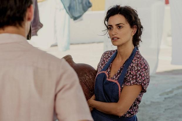 همچنین پنه لوپه کروز تبدیل به یکی از المانها و چهرههای آشنای سینمای آلمادوار شده است. این دو در فیلمهای زیادی از جمله volver, از گوشت و استخوان، همه چیز درباره مادرم، ژولیتا و... همکاری داشته اند. در فیلم Pain and Glory نیز پنه لوپه کروزPenélope Cruz در نقش جوانیهای مادر سالوادور، ایفای نقش میکند.