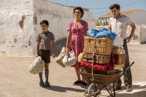 آلمادوار در فیلم Pain and Glory نگاهی به زندگی خویش از کودکی تا به امروزش داشته است.