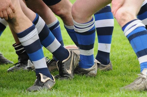 جوراب لولهای نخی ساده نوعی جوراب ورزشی دارای برش کم و خاصیت ضد عرق و ضدجوش است.