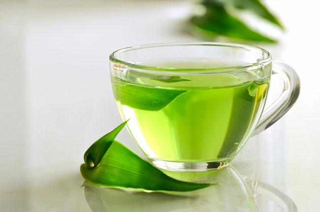 نوشیدن روزانه دو تا سه فنجان چای سبز میتواند به پاکسازی عفونت ادراری کمک کند