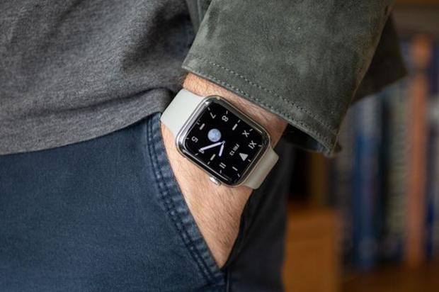 به سبب صفحهی همیشه روشن، تیم طراحی اپل از چهرههای مختلف ساعت مجدداً رونمایی کرده است.