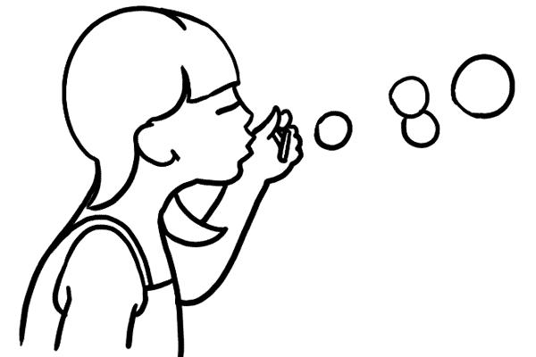 بچهها بازی کردن با حبابها را خیلی دوست دارند. به همین دلیل میتوان از حباب صابون به عنوان یک وسیله جانبی برای عکاسی از کودکان استفاده کرد.