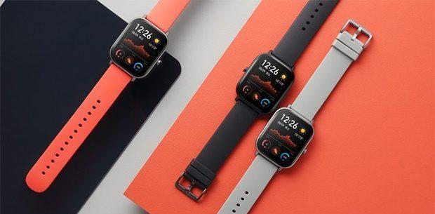 ساعت Mi Watch دارای یک باتری 570 میلی آمپری است که میتواند تا 36 ساعت دوام آورد. در صورت اتمام شارژ میتوانید یک ساعت بعد از اتصال به شارژر مجدد از آن استفاده نمایید.