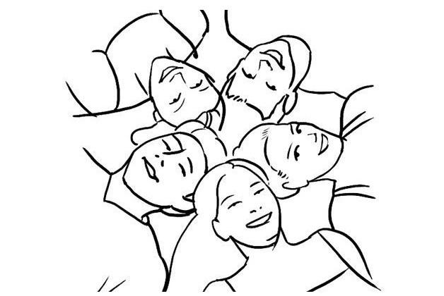 این ایده عکس گروهی به این صورت است که گره بر روی چمن و یا غیره دراز میکشند.